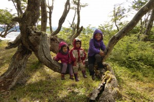 Bruna, Maite y Jana en la Reserva Nacional Laguna Parrillar