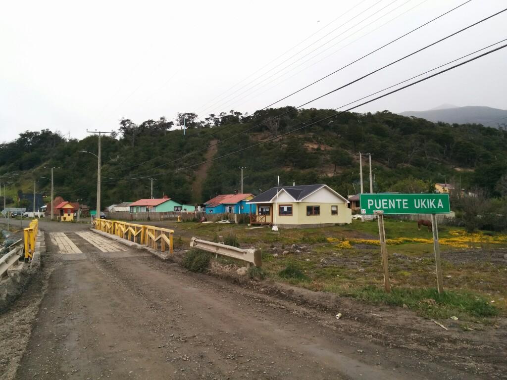 Puente de entrada a Villa Ukika