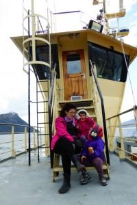 En cubierta, a resguardo del viento