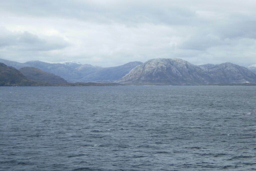 A mi estas montañas mondas y castigadas por hielos pasados me recuerdan a conchas de tortuga