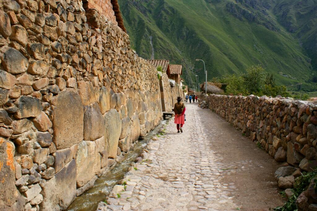 Paseo junto al Patachaka, en Ollanta
