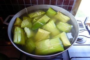 Aprendiendo a cocinar humitas de choclo