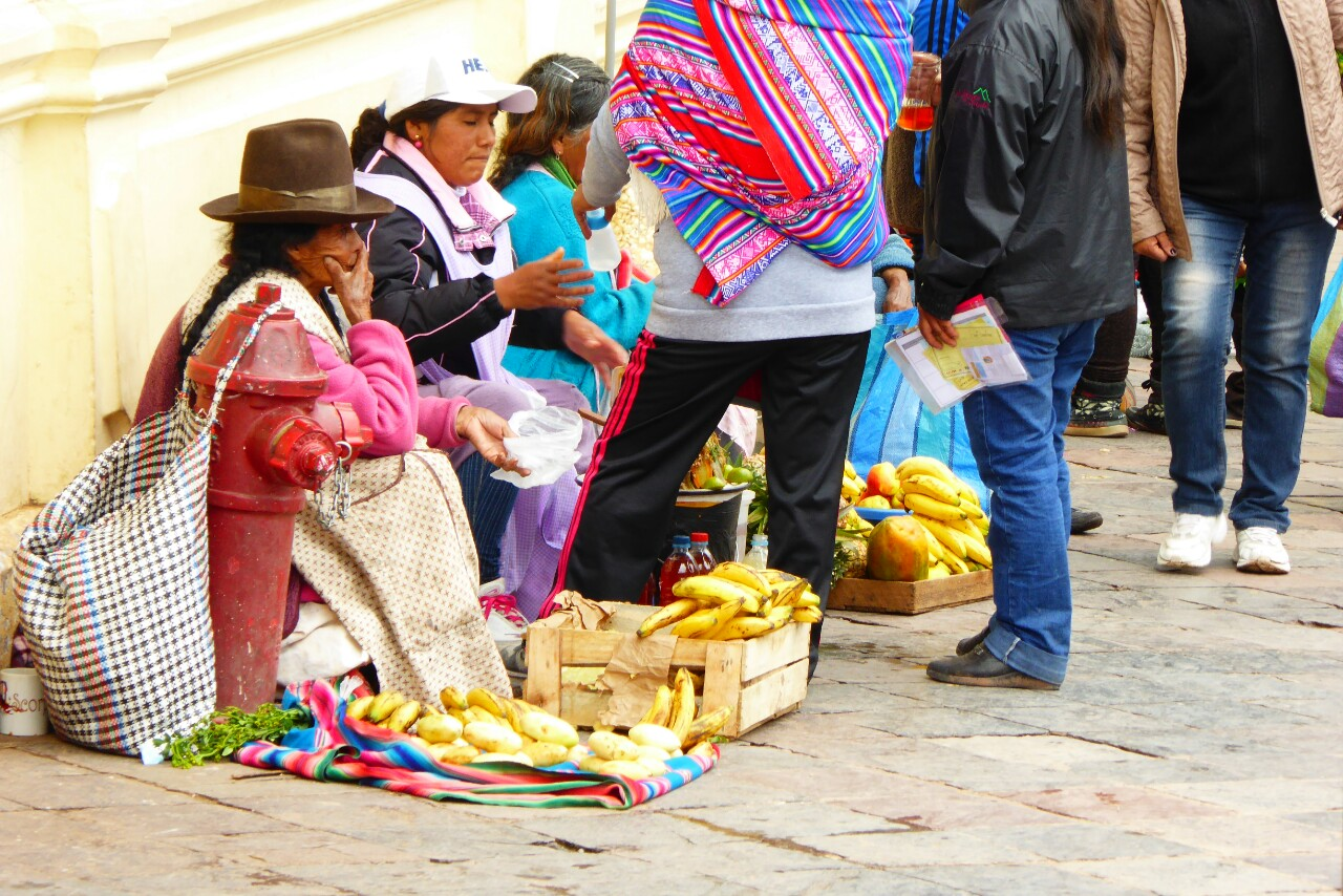 Vendedoras de plátanos junto al mercado de San Pedro