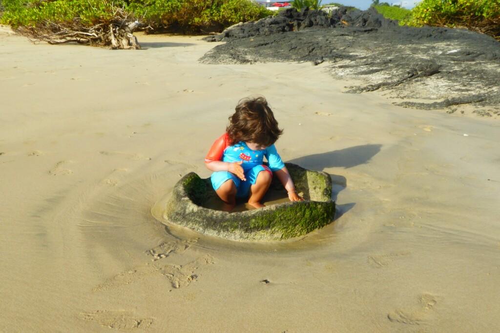 Bruna encontró su crater personal en la arena