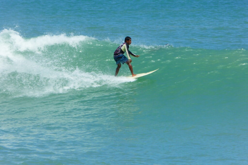 Y los surfistas disfrutando